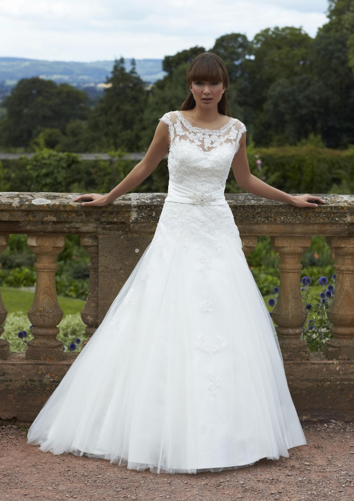 Introducing the Romantica Range of Wedding Gowns and Dresses - Dress ...