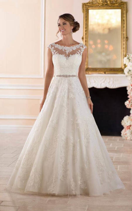 Tradtional Ball Gown Wedding Dress